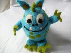 """großes Ei-Monster"""" Happy"""" von Zauberschön auf DaWanda.com"""