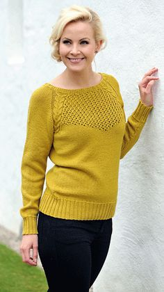Sweater med snoning og hulmønster