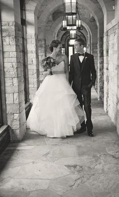 Hayley Paige Londyn/6358: buy this dress for a fraction of the salon price on PreOwnedWeddingDresses.com
