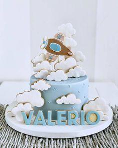 Best 12 Baby Shower by Lori Mahoney (Lori's Custom Cakes) – SkillOfKing. Airplane Birthday Cakes, Baby Birthday Cakes, Baby Shower Cakes For Boys, Baby Boy Cakes, Bolo Fack, Planes Cake, Cupcakes For Boys, Cute Cakes, Cake Designs
