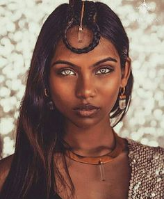 possibly the most beautiful eyes in the world: Fotos Beautiful Black Women, Beautiful Eyes, Most Beautiful, Beautiful Pictures, Pretty People, Beautiful People, Illustration Mode, Poses, Interesting Faces