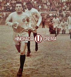 Año 1963. Salen al campo el capitán José Fernández y Dimas, para escribir otra gloriosa página de la historia de la U en el fútbol peruano...