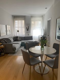 Submission in Apartment Therapy's signature Small/Cool Contest. Living Room Decor Cozy, Home Living Room, Interior Design Living Room, Cozy Living, Room Interior, Kitchen With Living Room, Decorating Small Living Room, Small Apartment Interior Design, Minimal Apartment Decor