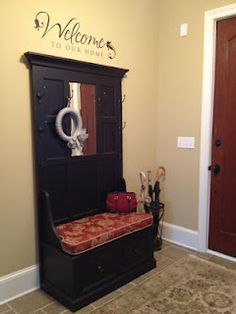 Good entry way idea! I love having the entry way with our bench.