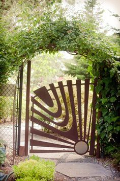 Joan Sanders Hawthorne gate