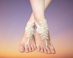 wedding garter, wedding barefoots, wedding accessories by Loveweddingg Garter Wedding, Bride Garter, Wedding Accessories, Etsy Seller, Trending Outfits, Unique Jewelry, Handmade Gifts, Bridal, Vintage