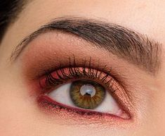 Here's a warm-toned look using the new Marc Jacobs Beauty Scandalust eyeshadow palette!