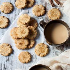 Crispy Crunchy Vegan Cinnamon Cookies with Olive Oil