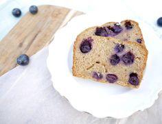 Snel, gezond, heerlijk en makkelijk. Spelt-yoghurtcake met blauwe bessen van Chickslovefood. Nu op Happy in Shape.