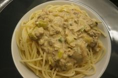 Spaghetti mit Käse - Hackfleisch - Sauce Spaghetti with cheese - minced meat sauce recipes beef Sauce Recipes, Meat Recipes, Pasta Recipes, Crockpot Recipes, Drink Recipes, Meatball Recipes, Chicken Parmesan Recipes, Chicken Thigh Recipes, Chicken Salad Recipes