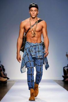 Mis Queridas Fashionistas: Moschino Menswear Spring Summer 2015 - London Men's Fashion Week -