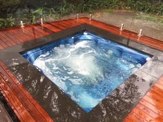 Cold day in Melbourne today, but the spa is set to a perfect 38 degrees! Spa all year round in our Exclusive Endless Smooth Edge Grande Outdoor Spa, Indoor Outdoor, Outdoor Decor, Pool Spa, Endless Spas, Kleiner Pool Design, Small Pool Design, Spa Accessories, Pool Designs