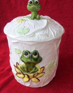 Sears Roebuck & Co. 1976 Frog Cookie Jar Green Frog Cookie Jar Canister NEW ~~ Cute Cookie Jar Please RePinit and Thanks so MUCH.