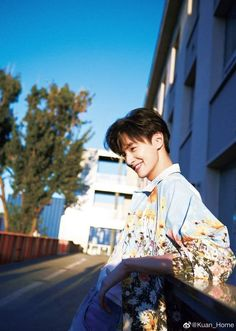 Guang Hong, Meteor Garden, Cute Celebrities, Poses, Asian Actors, Asian Boys, Celebrity Pictures, Chen, Kdrama