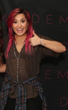 Demi en Sunrise, Florida. En el estadio BB&T #NeonLightsTour 25-02-14 (M&G)