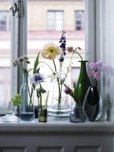 vaasjes met bloemen