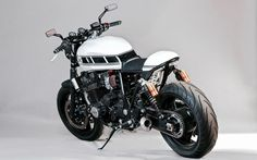 2000 Yamaha XJR 1300 SP Cafe Racer by RHCC #motorcycles #caferacer #motos | caferacerpasion.com