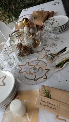 Table Set Up, Xmas Decorations, Cl, Table Settings, Holidays, Christmas, Christmas Tabletop, Christmas Dinner Tables, Gold Christmas