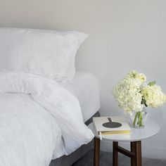 Huddleson wonderfully soft pre-washed Italian linen white duvet cover. Top quality pure linen.