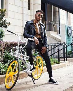 Style by @dj_ward9  Yes or no?  Follow @mensfashion_guide for dope fashion posts!  #mensguides #mensfashion_guide