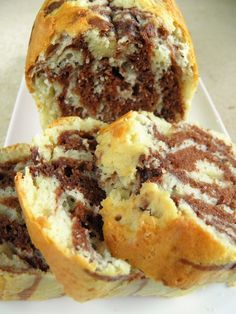 Marbled cake - don't think I'd bother with the rum. Was attracted to it because it looks so moist - YUM. Baby Food Recipes, Sweet Recipes, Cake Recipes, Cooking Recipes, Polish Desserts, Polish Recipes, Sweets Cake, Pumpkin Cheesecake, Food Cakes
