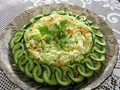 ~ KULINARIA: 7 amazing ideas originally formed fresh salads in 2019 Food Carving, Food Garnishes, Garnishing Ideas, Veggie Tray, Vegetable Salad, Food Platters, Cooking Recipes, Healthy Recipes, Food Displays