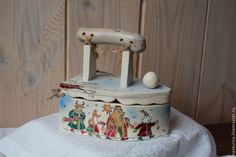 Купить Шкатулка Утюжок - белый, шкатулка, утюг, утюжок, старинный, коллекционный, колядки, рождество, зима