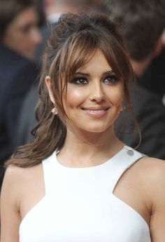- very nice stuff - share it - Cheryl Cole (English singer, composer and television personality) - Hairstyles With Bangs, Pretty Hairstyles, Cheryl Cole Hairstyles, Hair Inspo, Hair Inspiration, Long Hair With Bangs, Haircut And Color, Dark Hair, Dark Blonde