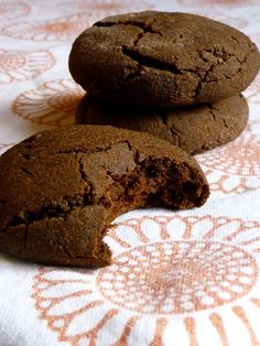 oh Yum! I love me some molasses!!   Gluten-Free Molasses Cookies 2.0 (Dairy/Nut/Soy/Egg/Refined Sugar-Free)