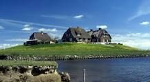 "eine Hallig in der Nordsee / a small island called ""Hallig"" in the midst of the north sea"