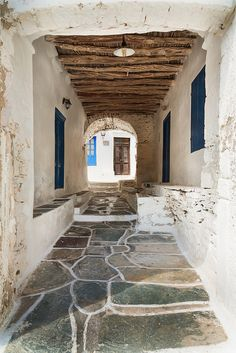 GREECE CHANNEL | Kastro, #Sifnos by Vasilis Tsikkinis, via Flickr http://www.greece-channel.com/