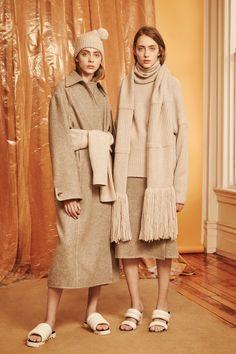 A look from the Edun pre-fall 2016 collection. Fall Fashion 2016, Autumn Winter Fashion, Trendy Fashion, Fashion Show, Fashion Design, Fall 2016, Bunt, Editorial Fashion, Ready To Wear