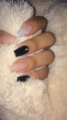 here are 11 Fall Nail Colors You Need Right Now. This list of nail colors is made for you to accentuate the beauty in this season. our styling would be incomplete without the nail color while nails accentuate the complete beauty. Nails Now, Aycrlic Nails, Coffin Nails, Summer Acrylic Nails, Best Acrylic Nails, Square Acrylic Nails, Fall Nail Art Designs, Acrylic Nail Designs, Fall Nail Ideas Gel