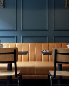 Central Design Studio was approached by Jurys Inn and Amaris Hospitality to refurbish two hotels in their portfolio, as part of a new design direction for the brand. Dining Room Bench Seating, Booth Seating, Banquette Seating, Bar Seating, Cafe Furniture, Restaurant Furniture, Design Furniture, Vintage Furniture, Deco Restaurant