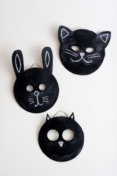 Make your own chalkboard masks for pretend play -- awesome idea!