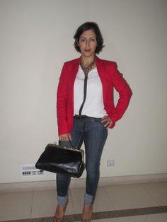 O meu Plano B: Look do dia: Jeans com blazer vermelho.