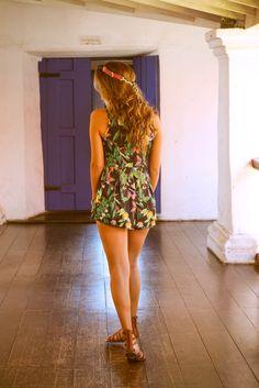 Luisa Meirelles para Avonts Rio #gypsy #boho #avonts #summer #kimono #fashion #editorial #cartagena #avonts #luisa meirelles #bohemian #macaquinho #yellow #print #estampa #black