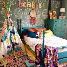 Girls room ideas, boho chic, dream catcher diy on blog, kids teepee