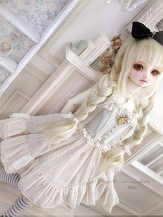 doll, bjd, and lolita image Anime Dolls, Blythe Dolls, Gothic Dolls, Realistic Dolls, Smart Doll, Creepy Dolls, Doll Repaint, Custom Dolls, Ball Jointed Dolls
