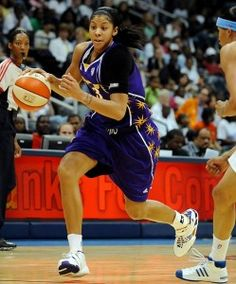 my favorite basketball player Candace Parker Basketball History, Basketball Players, Football Team, Candace Parker, Quick Thinking, Sport Icon, Wnba, Olympians, Sport