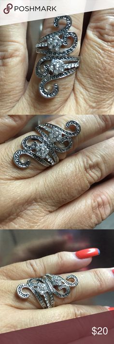 fine fantasy silver ring size 9 heavy silver metal never worn diamond stones Jewelry Rings