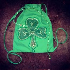 Searching for a St.Patrick's Day gift? I'm sure this drawstring backpack with a shamrock symbol is exactly what you need! Order in my Etsy shop Art'n'Bag.