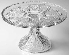 """Heisey """"Fancy Loop"""" Pattern Round Cake Stand in Clear (1896-1910)"""