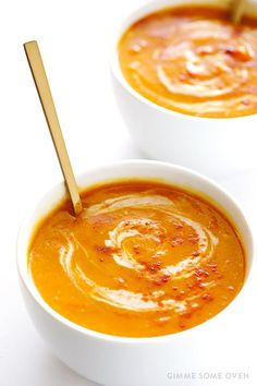 This Slow Cooker Butternut Squash Soup recipe is incredibly easy to make in the crock pot, and so comforting and delicious! It's also naturally vegan. Fall and winter soup Paleo Crockpot Recipes, Slow Cooker Recipes, Soup Recipes, Cooking Recipes, Dinner Recipes, Gf Recipes, Delicious Recipes, Recipies, Crock Pot Soup