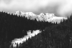 Opposite Bucegi Massif, Piatra Craiului is an isolated, steep and very interesting range