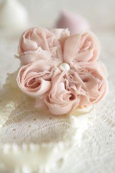http://atmospheremariages.fr/789-2648-thickbox/heaband-fille-mariage-cortege.jpg
