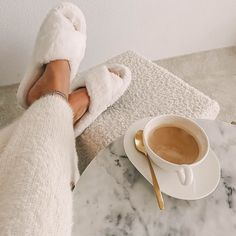 Looks Style, My Style, Wonderful Day, Cream Aesthetic, Aesthetic Light, Aesthetic Coffee, Retro Mode, Lounge Wear, Lounge Outfit