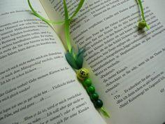 Witzige Bücherwürmer nicht nur für Leseratten :) Ein vielseitiges Mitbringsel für jeden Bücherfan, einfach und individuell, für Kinder und Große, verzieren jedes Buch! Leicht auch von Kindern selbst zu basteln… Viel Spaß !