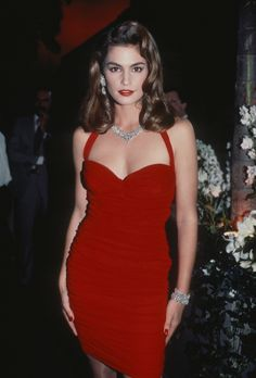 Young female model in red dress fresh cindy crawford s most Diy Outfits, Style Outfits, Hip Hop Outfits, Fashion Models, 90s Fashion, Fashion Beauty, Fashion Outfits, Hollywood Fashion, Hollywood Actresses