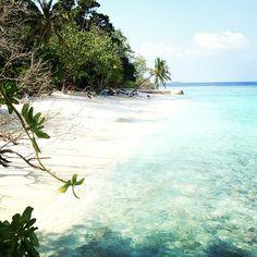 d-o-l-c-e:  A place to get lost. #secretiisland #maldiveislands  Follow my Instagram @Steve Rush :-)
